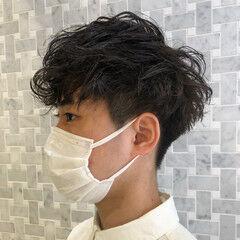 メンズパーマ ナチュラル ショート メンズヘア ヘアスタイルや髪型の写真・画像