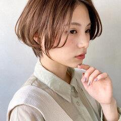 ミディアムレイヤー グラデーションボブ ゆるふわ オルチャン ヘアスタイルや髪型の写真・画像