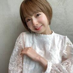 丸みショート フェミニン 丸顔 前髪 ヘアスタイルや髪型の写真・画像