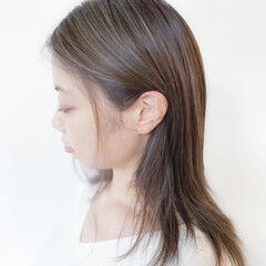 アッシュグレージュ 3Dハイライト ハイライト ナチュラル ヘアスタイルや髪型の写真・画像