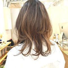 ニュアンスウルフ ミディアムレイヤー 大人可愛い ミディアム ヘアスタイルや髪型の写真・画像