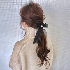 ヘアアクセサリー ポニーテール ナチュラル 簡単ヘアアレンジ ヘアスタイルや髪型の写真・画像