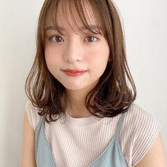 ミディアム 大人かわいい アンニュイほつれヘア ナチュラル ヘアスタイルや髪型の写真・画像