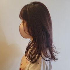 レイヤーカット レイヤーヘアー チェリーレッド ピンク ヘアスタイルや髪型の写真・画像
