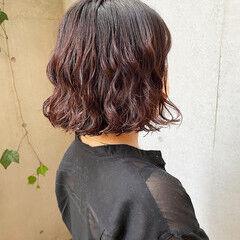デジタルパーマ 切りっぱなしボブ 外ハネボブ ナチュラル ヘアスタイルや髪型の写真・画像