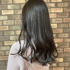 ナチュラル 透明感 ロングヘア ダークトーン ヘアスタイルや髪型の写真・画像