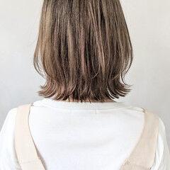 スポーツ インナーカラー 大人かわいい ゆるウェーブ ヘアスタイルや髪型の写真・画像