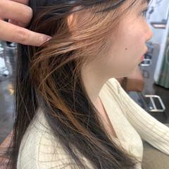 インナーカラー イヤリングカラー ナチュラル ブリーチカラー ヘアスタイルや髪型の写真・画像