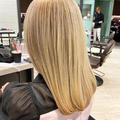 プラチナブロンド セミロング 髪質改善 髪質改善トリートメント ヘアスタイルや髪型の写真・画像