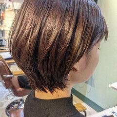艶カラー 前髪 ナチュラル ショートボブ ヘアスタイルや髪型の写真・画像