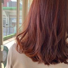 ナチュラル セミロング 艶髪 コーラル ヘアスタイルや髪型の写真・画像