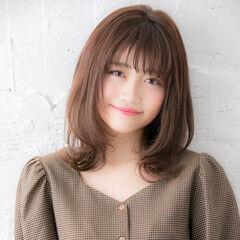 デート ミディアム エアリー かわいい ヘアスタイルや髪型の写真・画像
