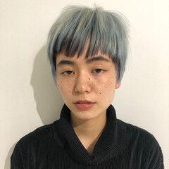 ハイライト ターコイズブルー ショート ブルー ヘアスタイルや髪型の写真・画像