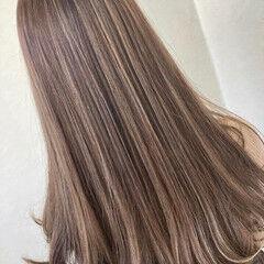 ブリーチ フェミニン ハイライト スライシングハイライト ヘアスタイルや髪型の写真・画像