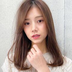 レイヤーロングヘア ロング 小顔 デジタルパーマ ヘアスタイルや髪型の写真・画像