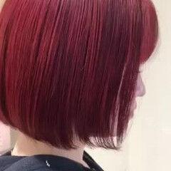 ガーリー レッド ダブルカラー ブリーチ ヘアスタイルや髪型の写真・画像