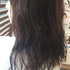 ミディアム ナチュラル 色気 アッシュ ヘアスタイルや髪型の写真・画像