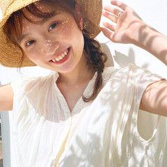 ナチュラル 麦わら帽子 ヘアアレンジ 帽子アレンジ ヘアスタイルや髪型の写真・画像