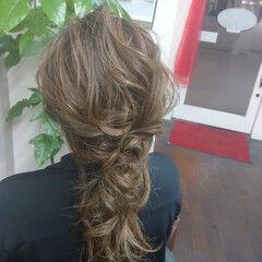 編み込みヘア ヘアアレンジ ナチュラル ロング ヘアスタイルや髪型の写真・画像