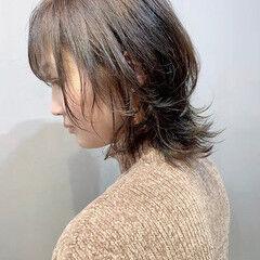 ベリーショート スモーキーアッシュベージュ ショート ウルフカット ヘアスタイルや髪型の写真・画像
