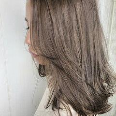 ミルクティーグレージュ ミルクグレージュ グレージュ セミロング ヘアスタイルや髪型の写真・画像