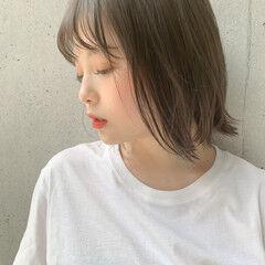 鎖骨ミディアム レイヤーカット 小顔ヘア インナーカラー ヘアスタイルや髪型の写真・画像