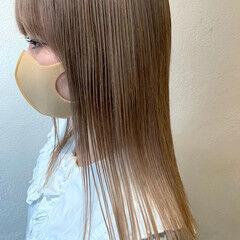 ハイトーン ミルクティーグレージュ グレージュ ストリート ヘアスタイルや髪型の写真・画像