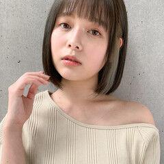 イヤリングカラー 小顔ヘア ミディアム 超音波 ヘアスタイルや髪型の写真・画像