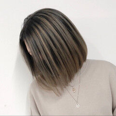 ショートヘア 切りっぱなしボブ ボブ バレイヤージュ ヘアスタイルや髪型の写真・画像