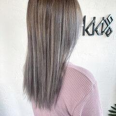 韓国風ヘアー ブリーチカラー エレガント ホワイトグレージュ ヘアスタイルや髪型の写真・画像