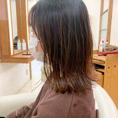 ミディアムレイヤー ボブ ネオウルフ ナチュラル ヘアスタイルや髪型の写真・画像