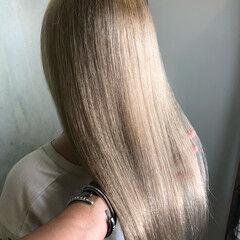 ミルクティーアッシュ フェミニン ロング ミルクティーベージュ ヘアスタイルや髪型の写真・画像
