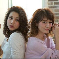 フェミニン ミディアム 撮影 ヘアスタイルや髪型の写真・画像