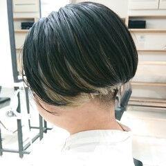 インナーカラー ハンサムショート デザインカラー モード ヘアスタイルや髪型の写真・画像