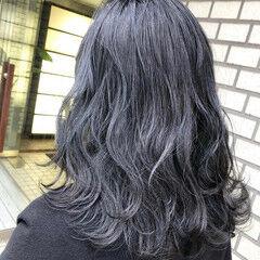 セミロング ハイトーンカラー 切りっぱなしボブ ハイトーン ヘアスタイルや髪型の写真・画像