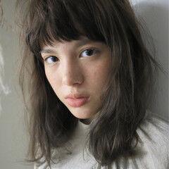 アッシュ ミディアム フレンチセピアアッシュ パーマ ヘアスタイルや髪型の写真・画像