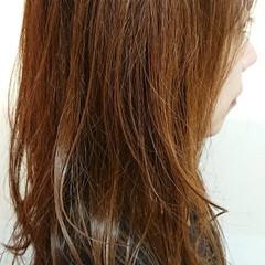 アッシュブラウン ロング 簡単スタイリング ナチュラル ヘアスタイルや髪型の写真・画像