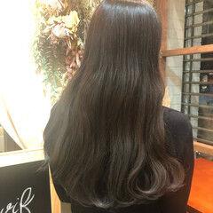 ロング ナチュラル可愛い インナーカラー 裾カラー ヘアスタイルや髪型の写真・画像