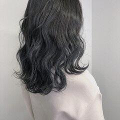 ダークグレー ブルージュ 透明感カラー ロング ヘアスタイルや髪型の写真・画像