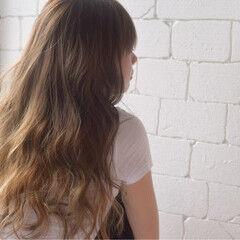 寝癖 ストリート 波ウェーブ ロング ヘアスタイルや髪型の写真・画像