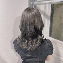ラベンダーグレージュ グレージュ ミルクティーグレージュ ガーリー ヘアスタイルや髪型の写真・画像
