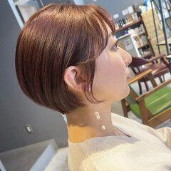 大人ショート ナチュラル ショート ピンクブラウン ヘアスタイルや髪型の写真・画像