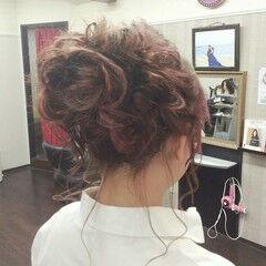 結婚式 セミロング ナチュラル 編み込み ヘアスタイルや髪型の写真・画像