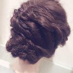 編み込み ヘアアレンジ セミロング まとめ髪