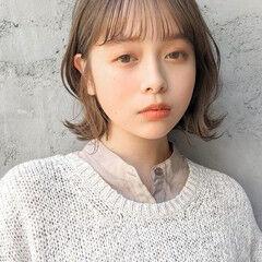 髪質改善 ミディアムレイヤー コテアレンジ 外ハネ ヘアスタイルや髪型の写真・画像