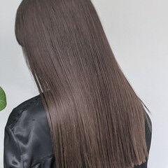 地毛ハイライト 極細ハイライト ロング ナチュラル ヘアスタイルや髪型の写真・画像