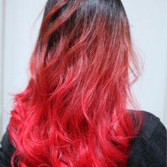 ロング ガーリー ハイライト ビビッドカラー ヘアスタイルや髪型の写真・画像