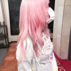 ロング ブリーチ ピンク デザインカラー ヘアスタイルや髪型の写真・画像