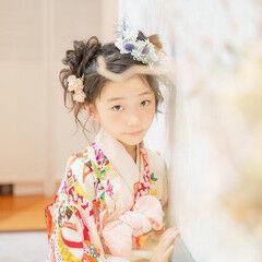 お団子アレンジ キッズ ヘアアレンジ セミロング ヘアスタイルや髪型の写真・画像