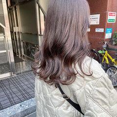 ロング ブラウンベージュ イルミナカラー モカアッシュ ヘアスタイルや髪型の写真・画像